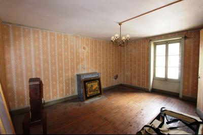 A vendre maison de village, 3 chambres, 553 m² de terrain, au sud de  Lons-le-Saunier., PIECE 2 AU-DESSUS DU GARAGE