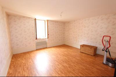 A vendre maison de village, 3 chambres, 553 m² de terrain, au sud de  Lons-le-Saunier., CH1 22 M²