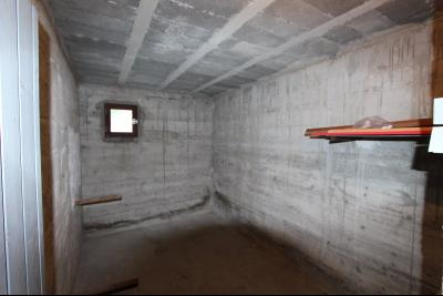 Lons-le-Saunier centre, à vendre appartement T4 avec garage et cave., CAVE 8,24 m²
