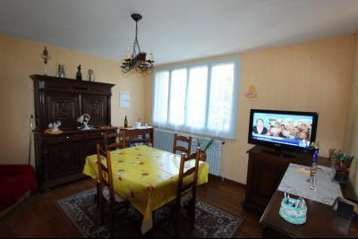 Secteur Domblans (39 JURA), à vendre maison 4 chambres sur sous-sol, SEJOUR