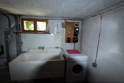 Secteur Domblans (39 JURA), à vendre maison 4 chambres sur sous-sol, BUANDERIE