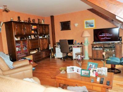 LONS-LE-SAUNIER 39000 JURA  Vends MAISON  habitation 85m²env.+ local professionnel 100m² env., Pièce à vivre 27.50m² env.