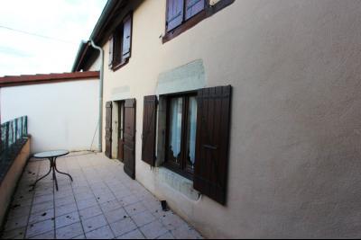 Proche Bletterans (39 JURA), à vendre maison de village 3 chambres avec garage et jardin., COUR  ACCES BUREAU