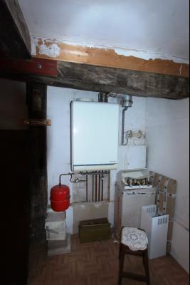 Proche Bletterans (39 JURA), à vendre maison de village 3 chambres avec garage et jardin., CHAUDIERE GAZ DE VILLE