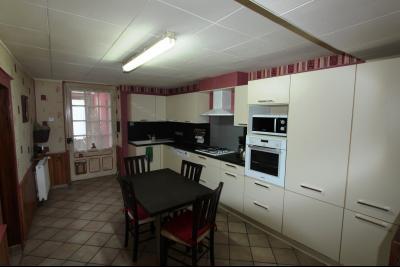 Proche Bletterans (39 JURA), à vendre maison de village 3 chambres avec garage et jardin., CUISINE 16 m²
