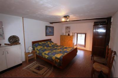 Proche Bletterans (39 JURA), à vendre maison de village 3 chambres avec garage et jardin., CH2 ETAGE