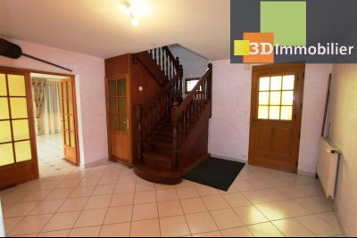 Proche Bletterans (39 - Jura) à vendre maison récente de 5 chambres sur 3000 m² de terrain., ENTREE 17 m²