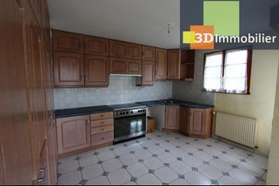 Proche Bletterans (39 - Jura) à vendre maison récente de 5 chambres sur 3000 m² de terrain., CUISINE OUVERTE 11 m²