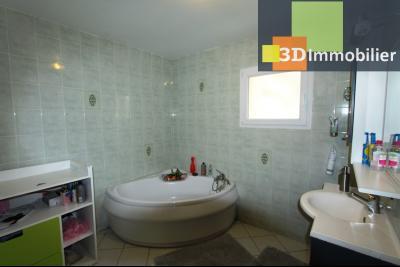 Bletterans centre (39140), à vendre maison de plain-pied avec 5 chambres sur 502 m² de terrain., SDB