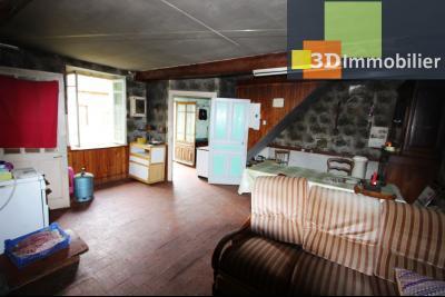 Secteur Bletterans (39 JURA), à vendre maison à réhabiliter avec dépendances sur 4628 m² de terrain., PIECE PRINCIPALE