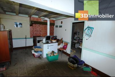 Secteur Bletterans (39 JURA), à vendre maison à réhabiliter avec dépendances sur 4628 m² de terrain., PIECE APPARTEMENT