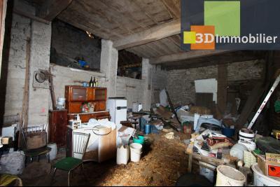 Secteur Bletterans (39 JURA), à vendre maison à réhabiliter avec dépendances sur 4628 m² de terrain., GRANGE