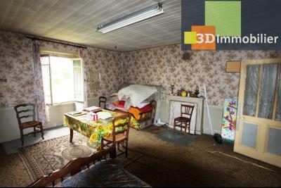 Secteur Bletterans (39 JURA), à vendre maison à réhabiliter avec dépendances sur 4628 m² de terrain., SEJOUR