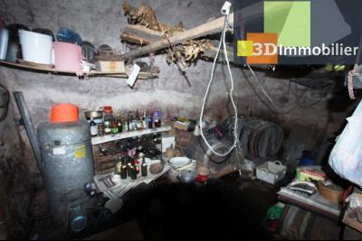 Secteur Bletterans (39 JURA), à vendre maison à réhabiliter avec dépendances sur 4628 m² de terrain., CAVE MAISON