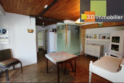 A  vendre en viager occupé, une maison évolutive en parfait état sur le secteur de Lons-le-Saunier., CUISINE D