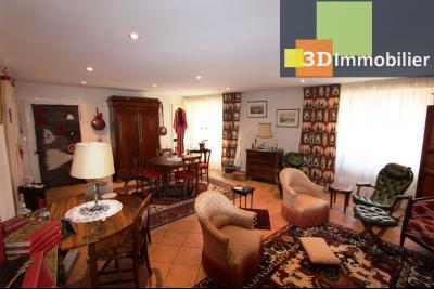 A  vendre en viager occupé, une maison évolutive en parfait état sur le secteur de Lons-le-Saunier., SALLE A MANGER ETAGE