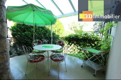 A  vendre en viager occupé, une maison évolutive en parfait état sur le secteur de Lons-le-Saunier., TERRASSE CUISINE