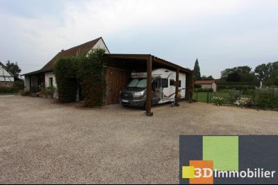 Proche Bletterans (JURA), à vendre ferme bressane rénovée lumineuse sur grand terrain.., ABRI CAMPING CAR