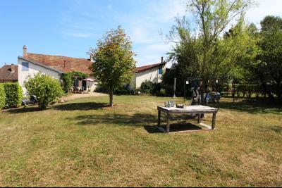 Pierre de Bresse, vends maison de caractère avec gîte indépendant sur 1700 m² de terrain, Vue d