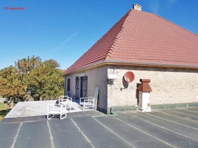 A vendre grande maison en pierre 1er plateau du JURA LONS LE SAUNIER région des lacs.,