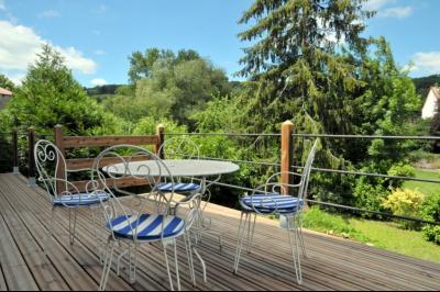 SECTEUR OUEST TOURNUS GRANDE MAISON EN PIERRES 340 m2 RENOVEE STYLE CONTEMPORAIN, terrasse