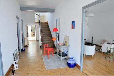 SECTEUR OUEST TOURNUS GRANDE MAISON EN PIERRES 340 m2 RENOVEE STYLE CONTEMPORAIN, Entrée