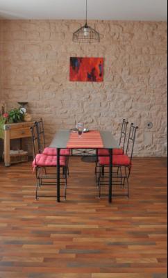 SECTEUR OUEST TOURNUS GRANDE MAISON EN PIERRES 340 m2 RENOVEE STYLE CONTEMPORAIN, coin repas cuisine