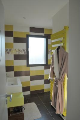 TOURNUS, à vendre TRES BELLE VILLA  AVEC VUE, maison de plain-pied, 7 pièces et 180 m² dépendances., Salle d