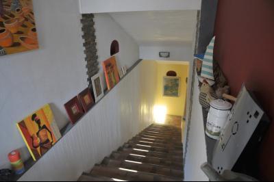 TOURNUS (Sud), à vendre MAISON ATYPIQUE PLEINE DE CHARME. EN BORD DE SAÔNE avec Vue Dégagée à 5 mn., Descente au niveau -1