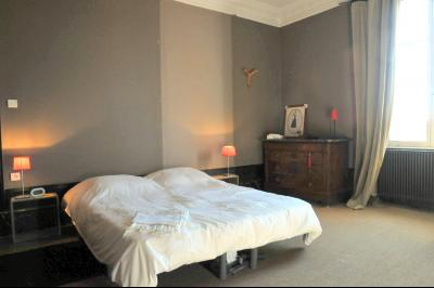 ENTREE NORD DE TOURNUS vends MAISON DEBUT 20è Siècle RENOVATION RECENTE., Chambre