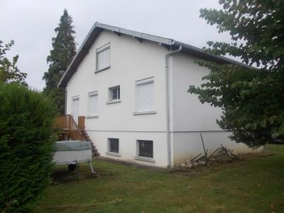 Secteur Chaussin vends solide maison de 7 pièces, 110m² habitables sur 2500m² de terrain clos, vue arrière coté droit