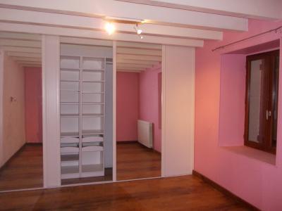 Chaussin, à vendre belle et grande ferme de 230m², 9 pièces, dépendances sur 4800m² de terrain clos., chambre RdC 1