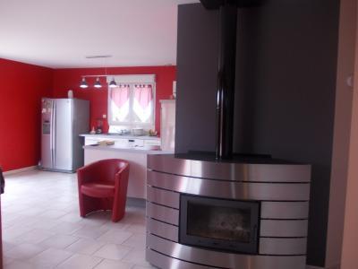 Secteur Chaumergy, vends agréable maison (2007) de 6 pièces, 110m², piscine sur 4200m² de terrain, cheminée/insert