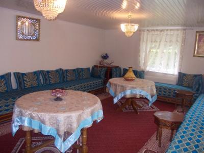 Secteur Chaumergy, vends confortable maison de 8 pièces, 190 m² sur terrain de 5000 m² clos., salon/séjour 1