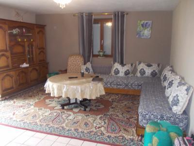 Secteur Chaumergy, vends confortable maison de 8 pièces, 190 m² sur terrain de 5000 m² clos., salon/séjour 2