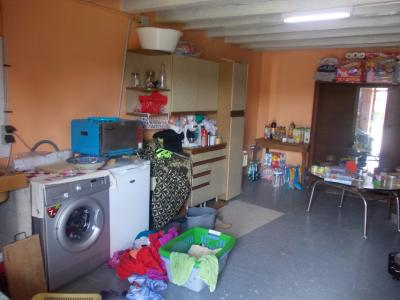 Secteur Chaumergy, vends confortable maison de 8 pièces, 190 m² sur terrain de 5000 m² clos., buanderie
