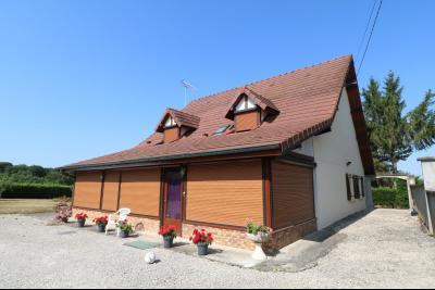 Secteur Chaumergy, vends confortable maison de 8 pièces, 190 m² sur terrain de 5000 m² clos., vue droite