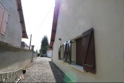 Secteur Chaumergy, vends confortable maison de 8 pièces, 190 m² sur terrain de 5000 m² clos., coté gauche