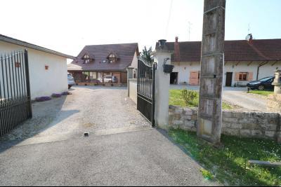 Secteur Chaumergy, vends confortable maison de 8 pièces, 190 m² sur terrain de 5000 m² clos., entrée