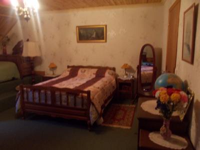 Secteur Chaussin, vends maison (ferme) de 5 pièces, 130m², annexe, sur 2500m² de terrain clos, idem