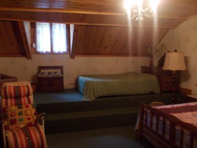 Secteur Chaussin, vends maison (ferme) de 5 pièces, 130m², annexe, sur 2500m² de terrain clos, chambre double