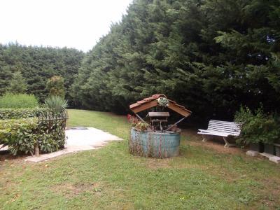 Secteur Chaussin, vends maison (ferme) de 5 pièces, 130m², annexe, sur 2500m² de terrain clos, jardin avec puits