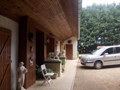 Secteur Chaussin, vends maison (ferme) de 5 pièces, 130m², annexe, sur 2500m² de terrain clos, vue coté gauche