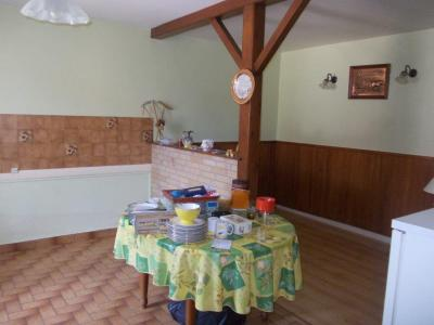 Secteur Chaussin, vends corps de ferme 5 pièces, 91m², 1800m² de terrain avec dépendances, avec coin repas