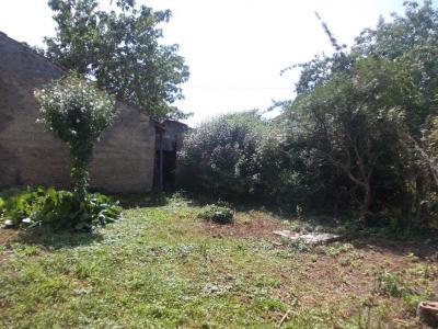 Secteur Chaussin, vends corps de ferme 5 pièces, 91m², 1800m² de terrain avec dépendances, Jardin