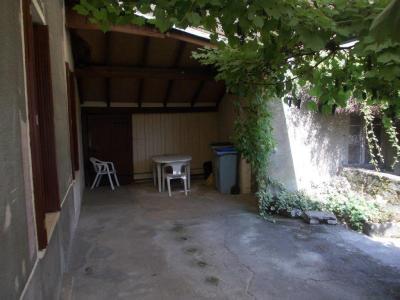 Secteur Chaussin, vends corps de ferme 5 pièces, 91m², 1800m² de terrain avec dépendances, véranda