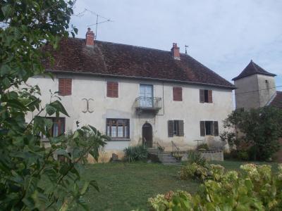 Secteur Sellières, vends belle maison en pierres de 1813, 5 pièces, 125m² sur 6000m² terrain clos, vue coté gauche