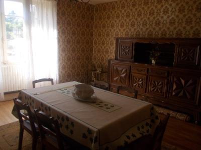 Secteur Sellières, vends belle maison en pierres de 1813, 5 pièces, 125m² sur 6000m² terrain clos, salle à manger/salon