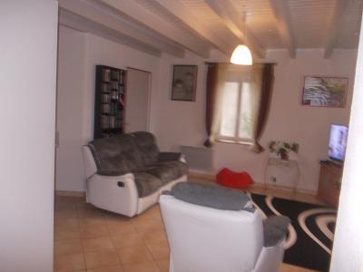 Secteur Chaussin, vends ferme reconditionnée de 7 pièces, 159m², dépendances sur terrain  de 4780 m², salon