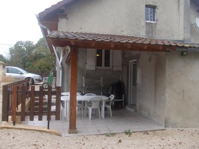 Secteur Chaussin, vends ferme reconditionnée de 7 pièces, 159m², dépendances sur terrain  de 4780 m², coté droit avec terrasse couverte